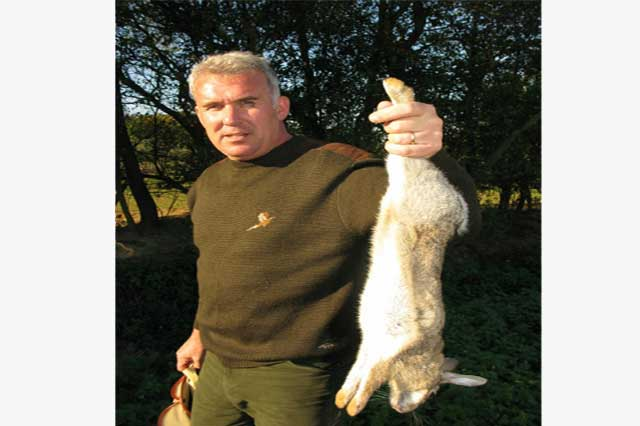 Tuition classes in pest control by barry luckhurst of Olde English Pest Control